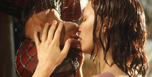 """I più romantici baci """"fantascientifici"""" in mostra al Mufant per San Valentino"""