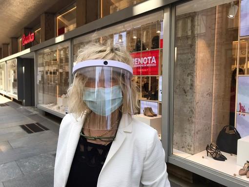 Da oggi fino al 2 giugno in Piemonte obbligo di mascherina all'aperto