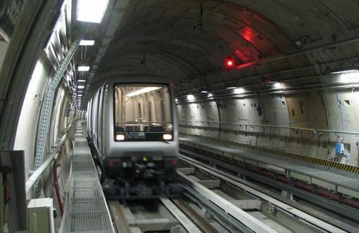 Lo spot Afasia sugli schermi della Metropolitana di Torino