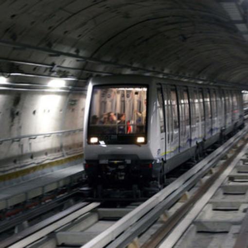 Guasto informatico: la metropolitana è ferma lungo tutta la tratta, si va in bus