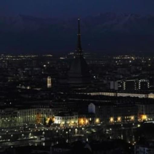 """Torino aderisce a """"M'illumino di meno"""": venerdi sera Mole spenta"""
