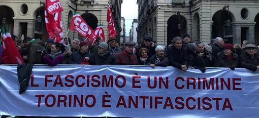 """Torino dice """"no"""" all'antisemitismo: """"Il fascismo è un crimine"""" [FOTO e VIDEO]"""