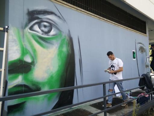 Graffiti contro i vandali: così via Plava si colora di bellezza con MurArte