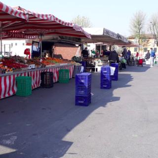 Il mercato di Chivasso oggi, sabato 4 aprile