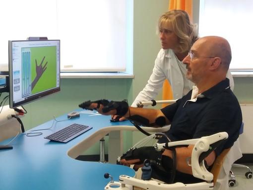 A Torino una mano robotica per la riabilitazione post ictus (FOTO)