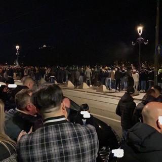 Movida, la pedonalizzazione serale di Lungo Po Cadorna proseguirà per altri due weekend: chiusura posticipata alle 18.30