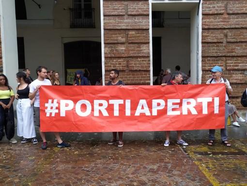 """""""Carola libera"""", la solidarietà dei torinesi alla capitana della Sea Watch (FOTO)"""