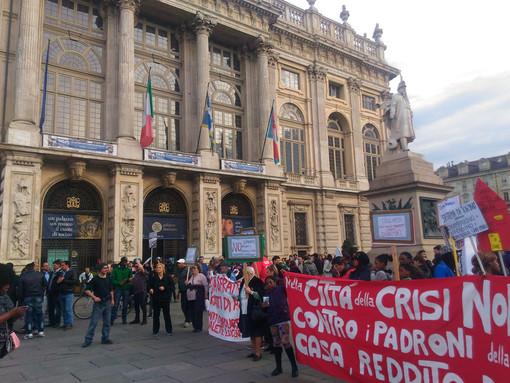 Un corteo per Torino chiede interventi contro l'emergenza abitativa