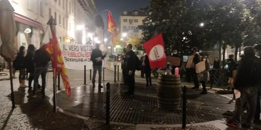 "Sindacati Usb in piazza a Torino: ""Tamponi gratis per tutti"""