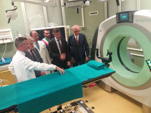 Molinette di Torino, la nuova TAC portatile monitora il paziente direttamente in sala operatoria