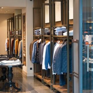 negozio di abbigliamento - foto di repertorio