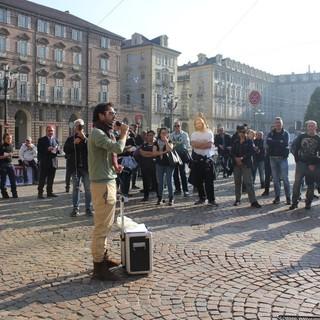 """I No Green Pass sotto la Prefettura di Torino: """"Ora ci paghino le ore perse"""""""