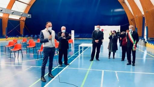 Alberto Cirio al nuovo centro vaccinale dell'Asl To5 a Vinovo