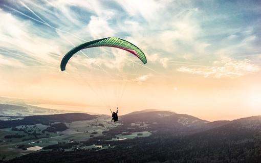 Esperienze di volo: il parapendio a Torino con Liveinup
