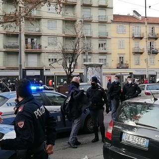 Intervento della Polizia in corso Giulio Cesare
