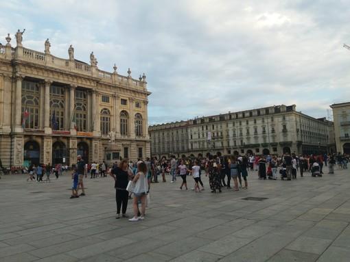 L'improvvisato acrobata di piazza Castello (VIDEO)
