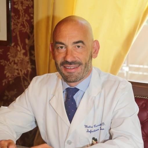 """Coronavirus, gestione della malattia a domicilio, Bassetti: """"I protocolli sono semplici. Se non si prescrive nulla in molti casi è meglio"""""""