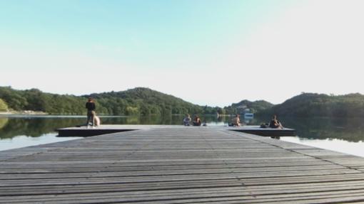 Continui assembramenti, Chiaverano chiude la piattaforma sul lago Sirio