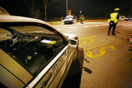Sicurezza sulle strade di Torino, controlli nella notte: multati 64 automobilisti
