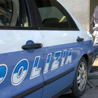 """Ruba due bottiglie di superalcolici come """"risarcimento"""" per un resto sbagliato: arrestato"""
