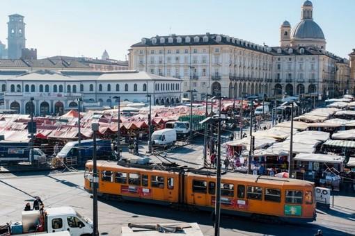Porta Palazzo, le condizioni per riaprire il mercato: spazi limitati e rotazione degli operatori
