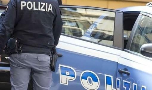 Va dalla polizia a denunciare un furto: viene arrestato perché in possesso di cocaina