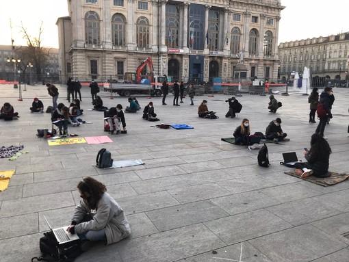 """Piemonte arancione e scuole medie chiuse, Anita (No Dad): """"Una presa in giro: studieremo davanti alla Regione"""""""