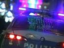 Ivrea, in piena notte sul tetto di una vettura inveisce contro l'ex titolare: arrestato