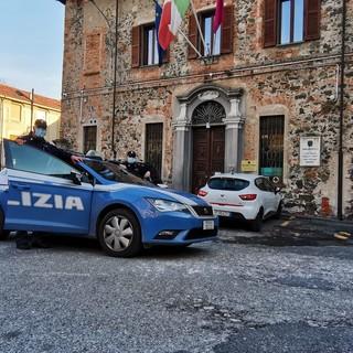 volante della polizia ad Ivrea