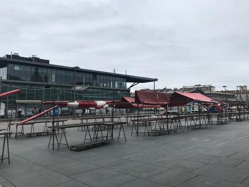 Coronavirus, il mercato aperto di Porta Palazzo resta ancora chiuso