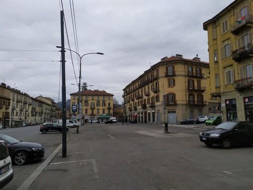 Spariscono i banchi a Vanchiglia e Madonna del Pilone: code fuori dai supermercati già alle 8 del mattino