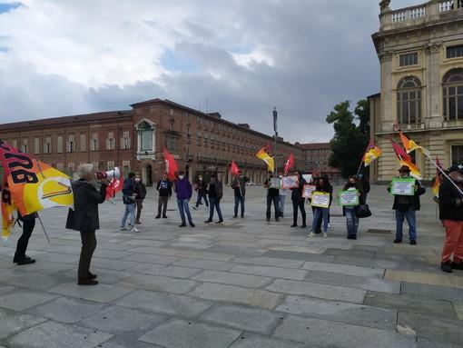 """Cub di nuovo in piazza a Torino: """"Cassa integrazione al 40%, così si impoveriscono i lavoratori"""""""