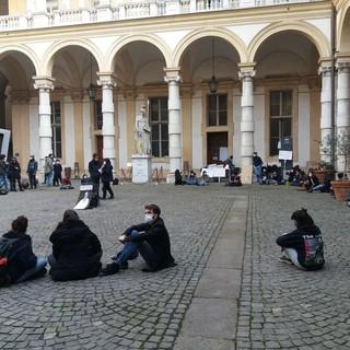 la protesta degli studenti universitari