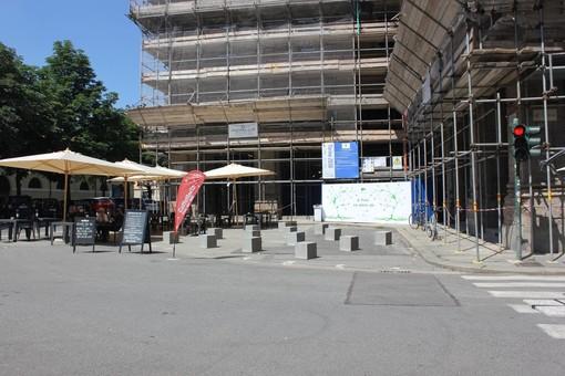 """Stop alla pedonalizzazione di piazza Antonicelli, la carica delle 328 firme: """"Il Comune ci ripensi"""""""