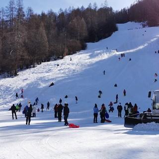 Stop allo sci, la montagna si ribella: flash mob in quota, appelli sui ristori. Persi 10 miliardi [VIDEO]