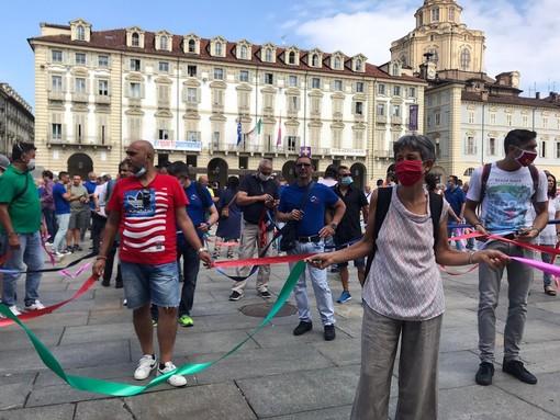 """Vertenza Torino, i metalmeccanici tornano in piazza: """"Tre proposte per rilanciare il settore dell'automotive"""" [FOTO e VIDEO]"""