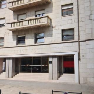 In via Giolitti arriva un cancello anti mala-movida: al Comune 41.500 euro da un condominio privato