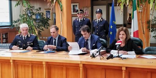 Truffe e usura per arricchire le casse della 'ndrangheta: 16 gli arresti (VIDEO)