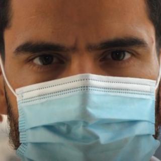 """Il """"generale"""" Rincon al fianco della Regione Piemonte nella campagna per l'uso della mascherina (VIDEO)"""