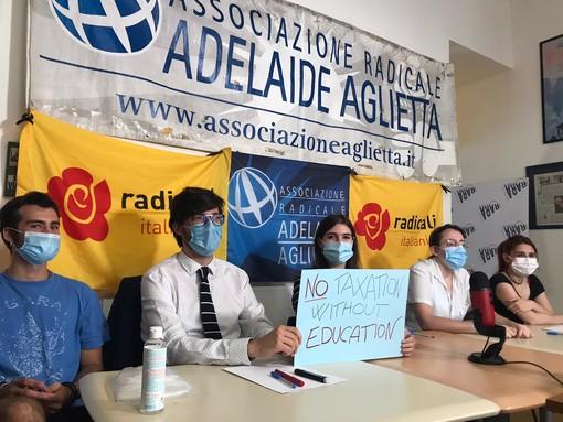 """Università, gli studenti dell'Associazione Radicale: """"Cirio, vogliamo tornare in aula"""" (VIDEO)"""