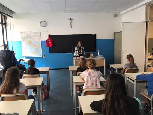 """Scuola, Frediani (M5S): """"Ancora caos tra i banchi di scuola, nessuna certezza su mascherine chirurgiche e gestione casi sospetti"""""""
