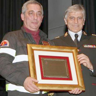 Raffaele Vessicchio con l'onorificenza del Presidente della Repubblica