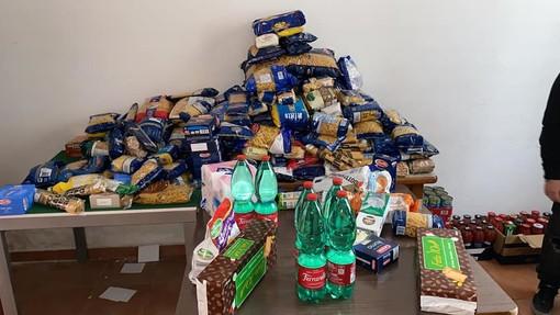 """Banco delle opere di carità, a Torino nord 70% in più di richieste di cibo: """"Non ne abbiamo più da distribuire"""""""