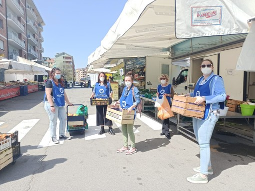 Volontari in strada a Rivoli