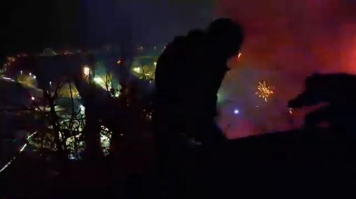 Tav: Chiomonte, petardi e razzi contro la polizia [VIDEO]