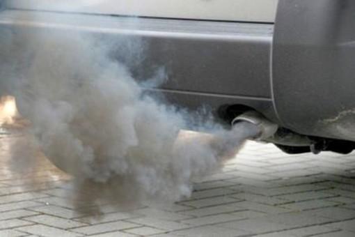 Ancora smog: da domani torna il blocco auto fino ai diesel Euro 4