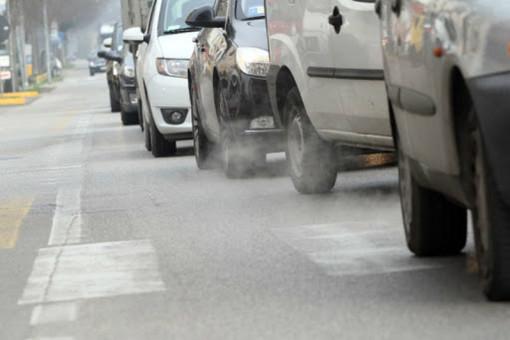 Smog, libera circolazione delle auto fino a lunedì 24 febbraio