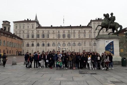 La scuola Pacchiotti-Revel di Torino vive la fratellanza italo-romena