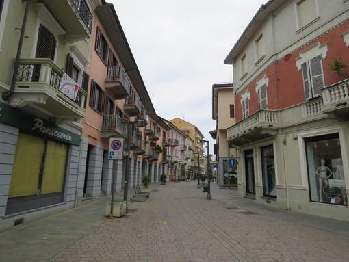 Settimo sostiene il commercio: negozi aperti la sera e suolo pubblico gratuito fino al 31 agosto