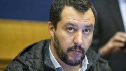 """Diciotti, anche a Torino raccolta firme in difesa di Salvini: """"Caso politico, non deve essere trascinato in tribunale"""""""